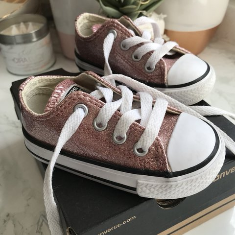 cd2b6ecd75d3 Pink glitter converse. Size 4. Only worn a couple of times - Depop