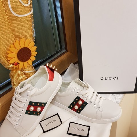 Stunning Gucci Ace studded woman- 0