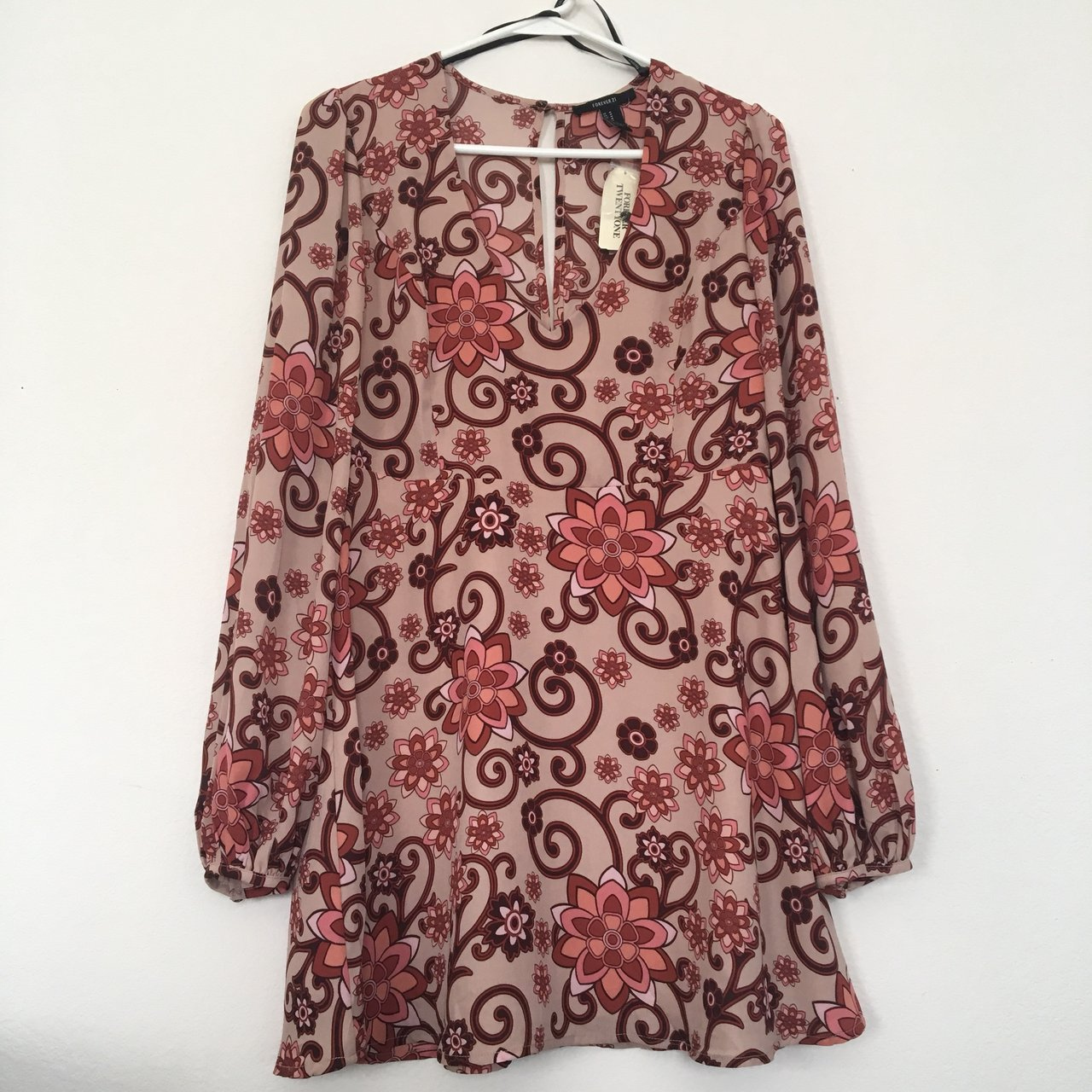 70s style dress brand new with tags! beautiful floral print - Depop d5b908bec