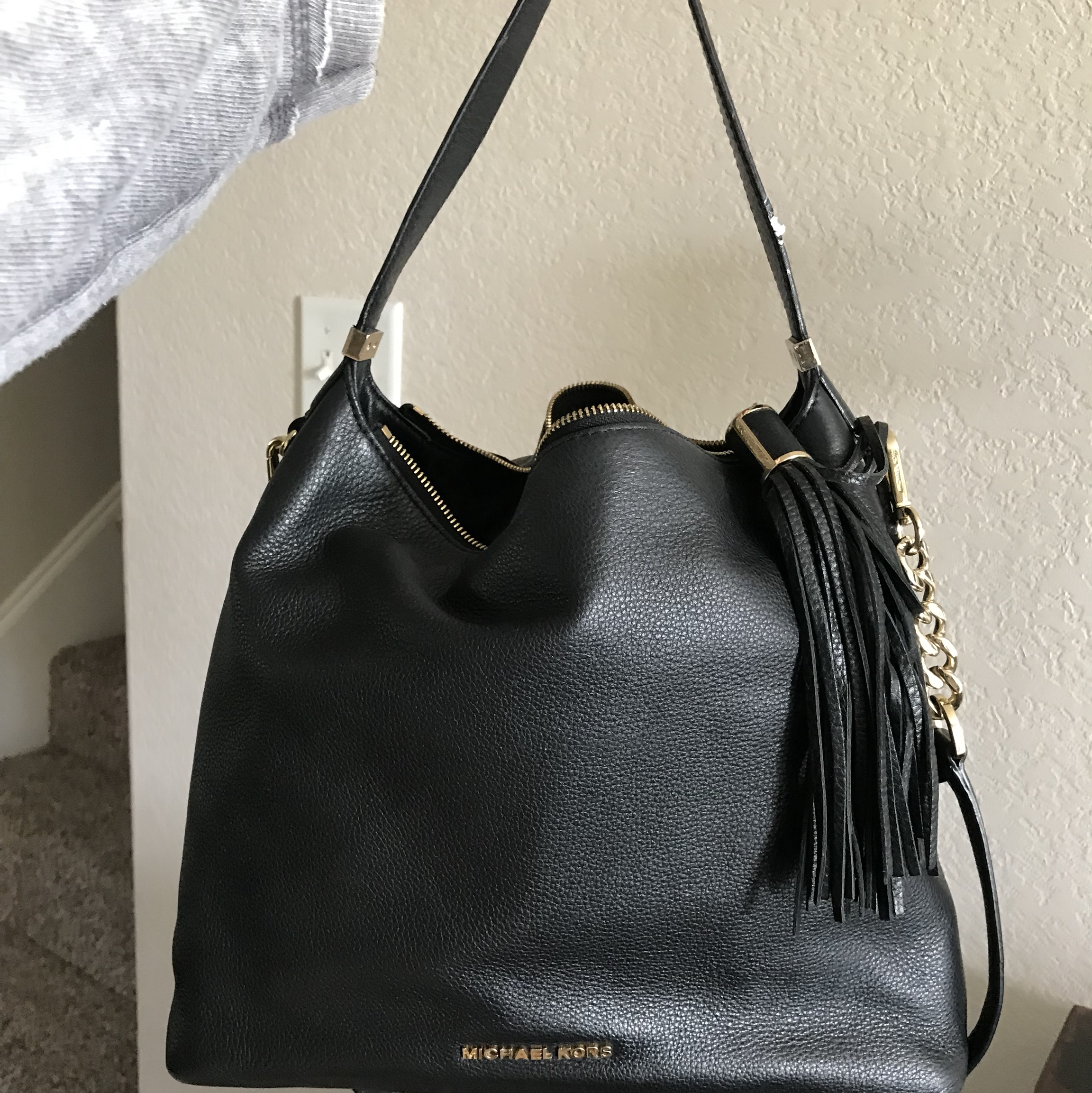 16d08059a18feb @venright. last year. Rhome, United States. Michael Kors hobo bag. Love  this beautiful purse! Carried ...