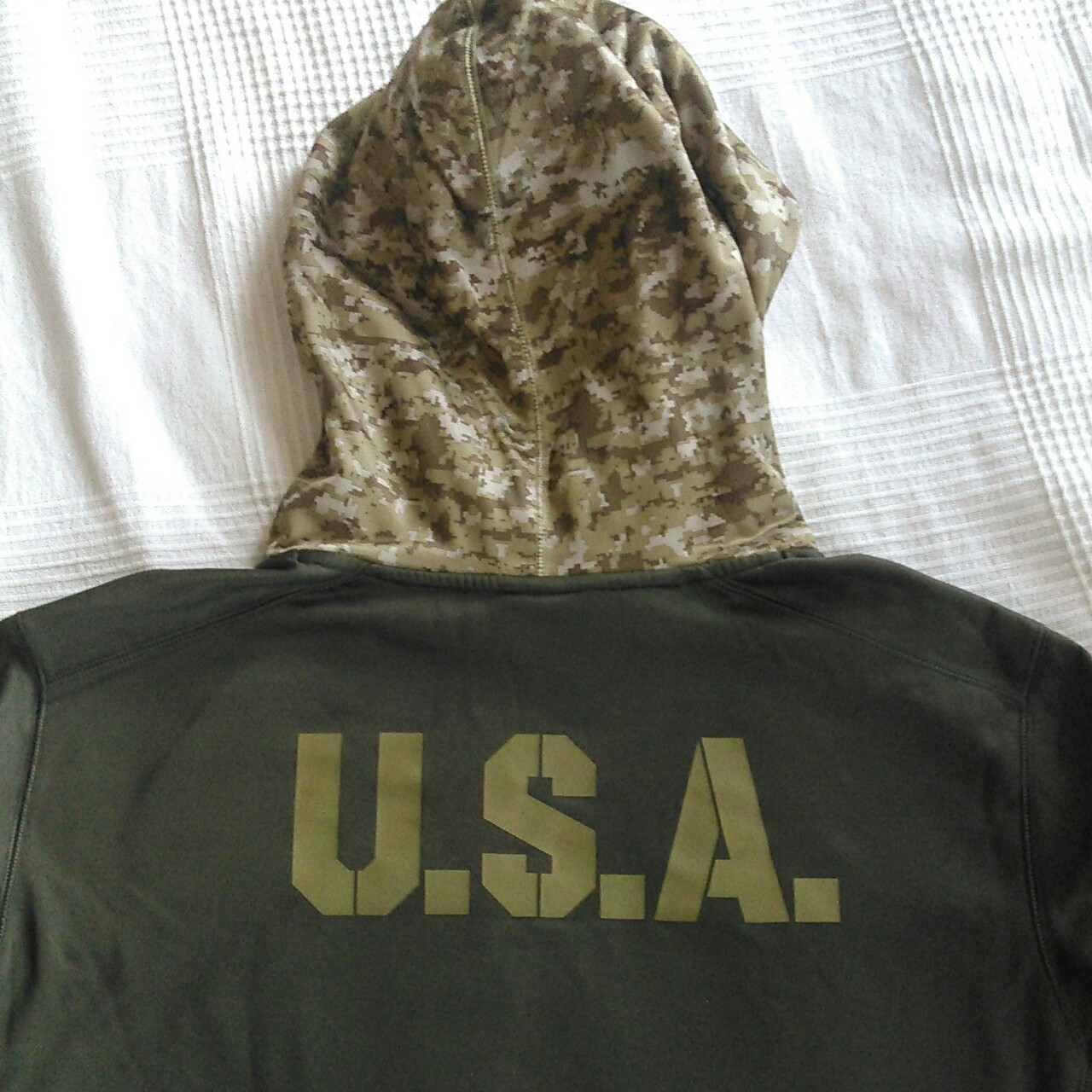 huge selection of f7621 2f2d8 New England Patriots Army hoodie. U.S.A printed on... - Depop