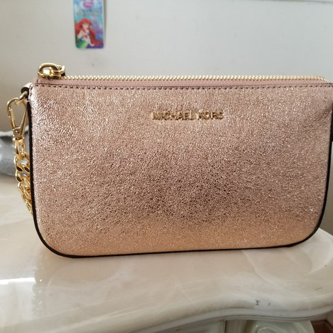 04403626fbecf Rose gold Michael kors purse! Never used just sits in bag - Depop