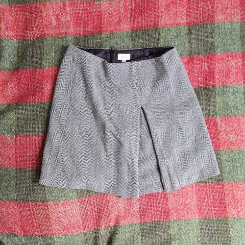 629094c3021a Jigsaw herringbone wool midi skirt with pleat. Bought for a - Depop