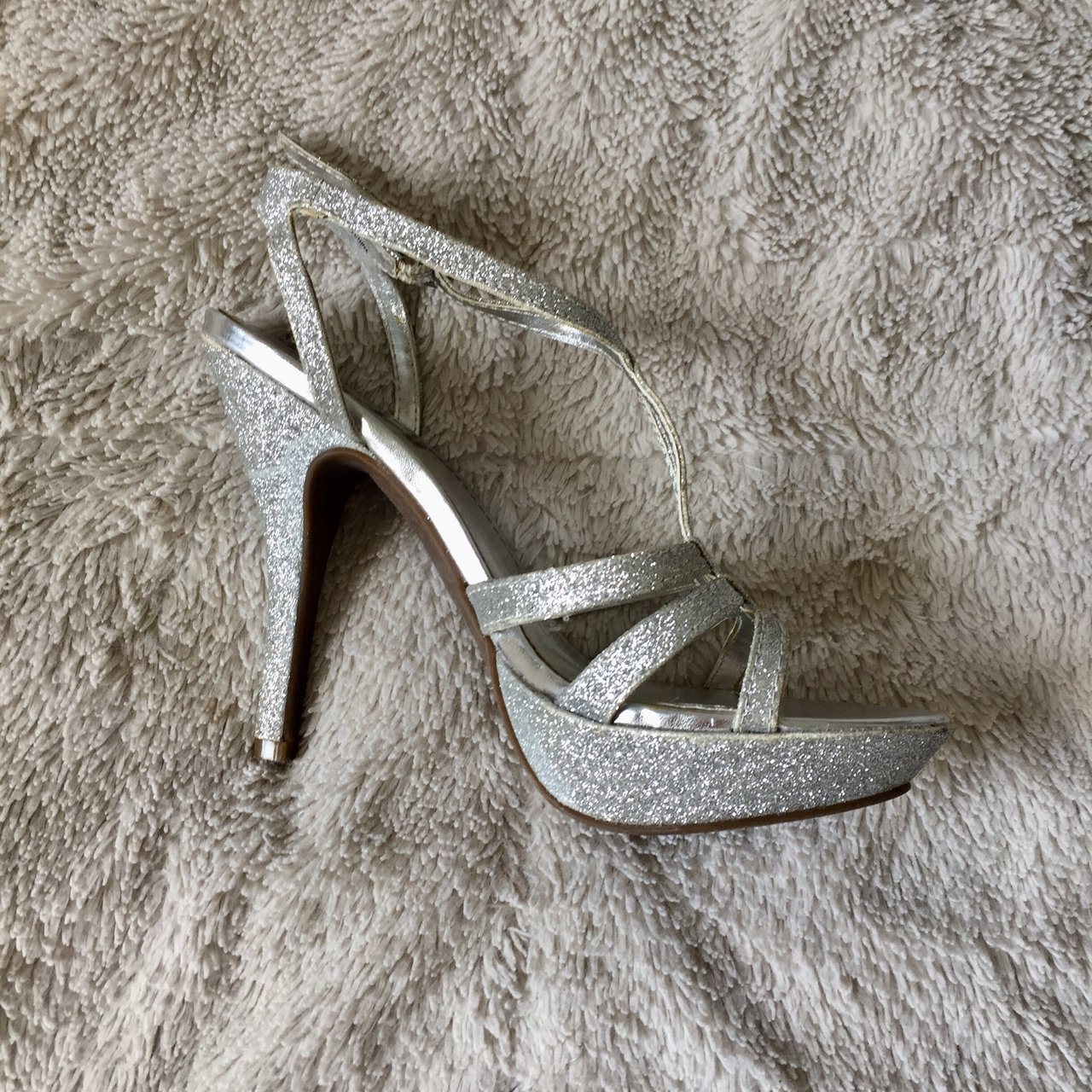 a613aed9318 PRICE DROP Gorgeous sparkly silver heels Adjustable strap