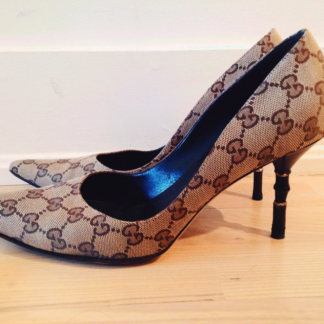 c4b233f731c3 GUCCI Authentic Monogrammed Pump with Bamboo Size 9 Stunning - Depop