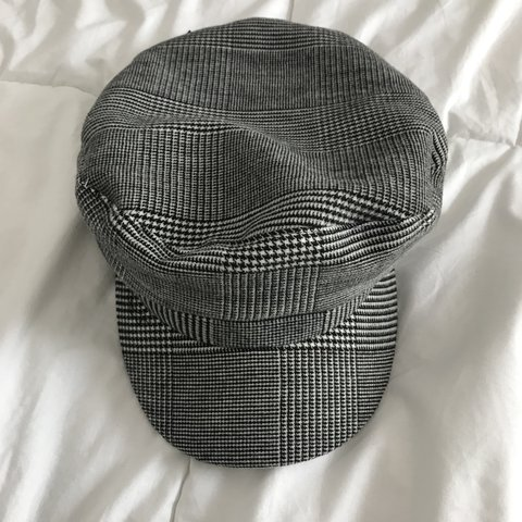 56778d43 @miahdz10. last year. Long Beach, United States. Zara baker boy hat with plaid  print in a size Medium. Only ...