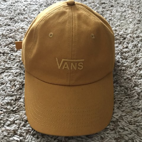 f1756a6e9c627 VANS YELLOW MUSTARD UNISEX DAD HAT! Worn once looks brand I - Depop