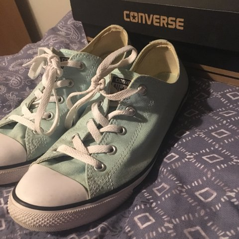 a4094eb5ffae CONVERSE ALL STAR DAINTY OX TRAINERS shoes are a size 7.5. 5 - Depop