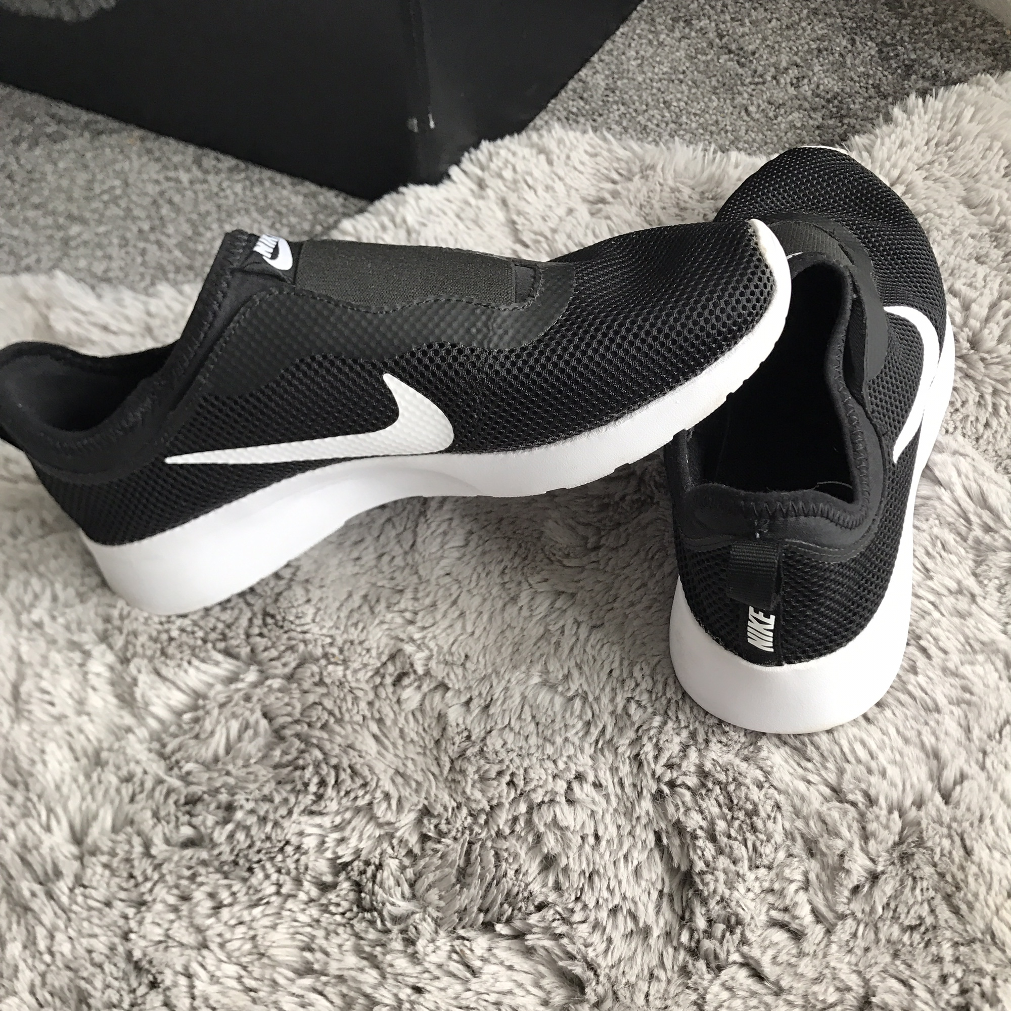 Nike laceless trainers worn once as you
