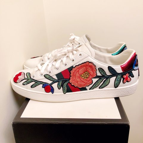 2b7e935b519 Gucci Ace embroidered sneakers White leather with floral on - Depop