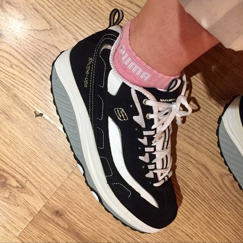 8e1d556f @sophiacarmen. last year. Manchester, United Kingdom. black + white skechers  shape ups! ...