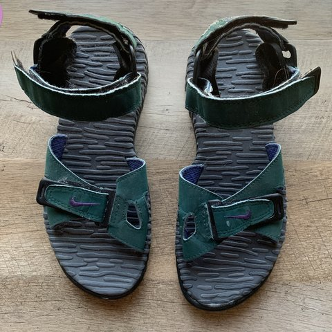 a9ba3e86df66 VINTAGE Nike air sandals  nothingnew - Depop