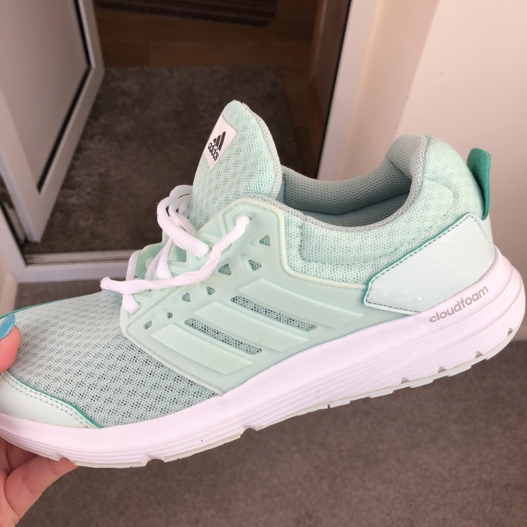 Adidas cloudfoam trainers in mint green size UK 6.5....