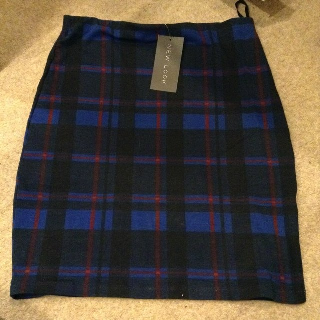4f2813f80c Brand new. Size 8 new look skirt. Never been worn -with but - Depop