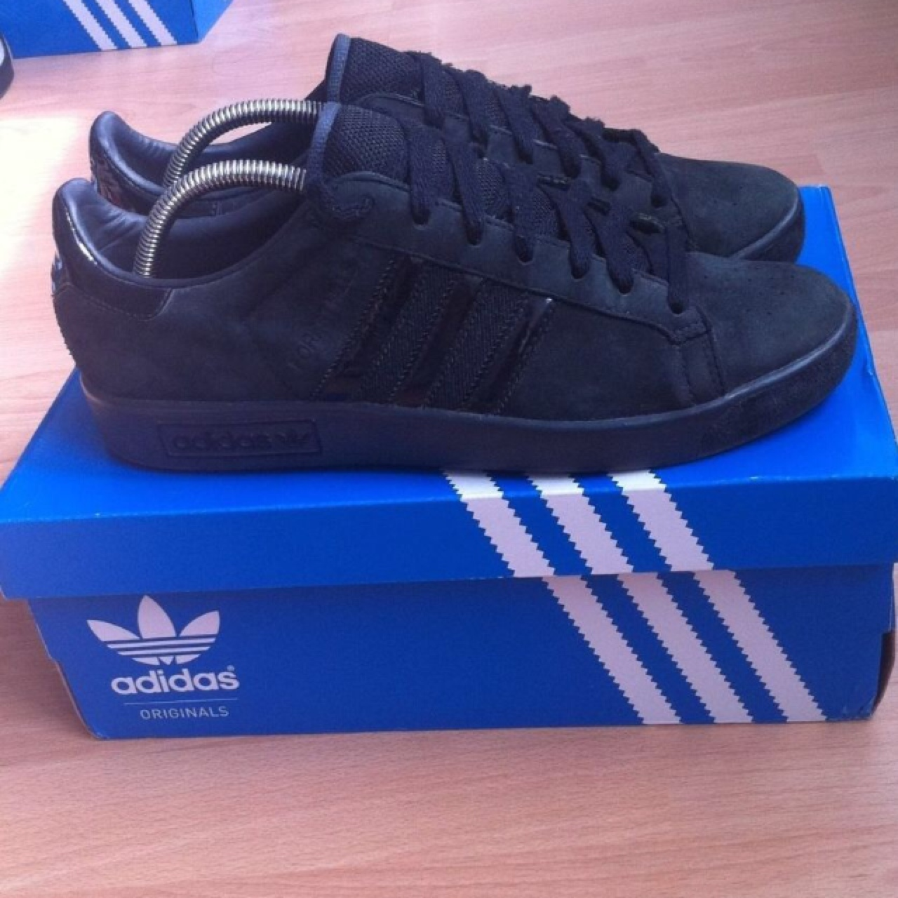 Adidas Forest Hills in all black
