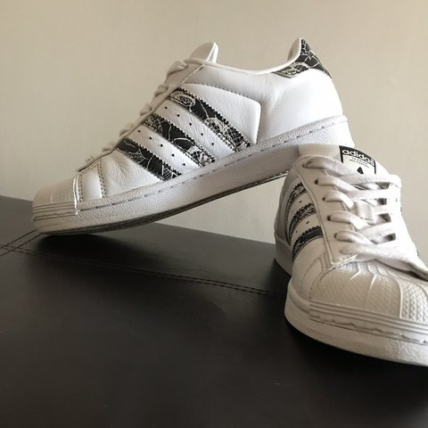 c7e6f56f5 LIMITED EDITION ADIDAS SUPERSTAR TRAINERS  ... These size - Depop