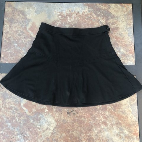 e672d34c13 🖤Gap Mini Skirt🖤 This skirt is a simple and flowy black is - Depop