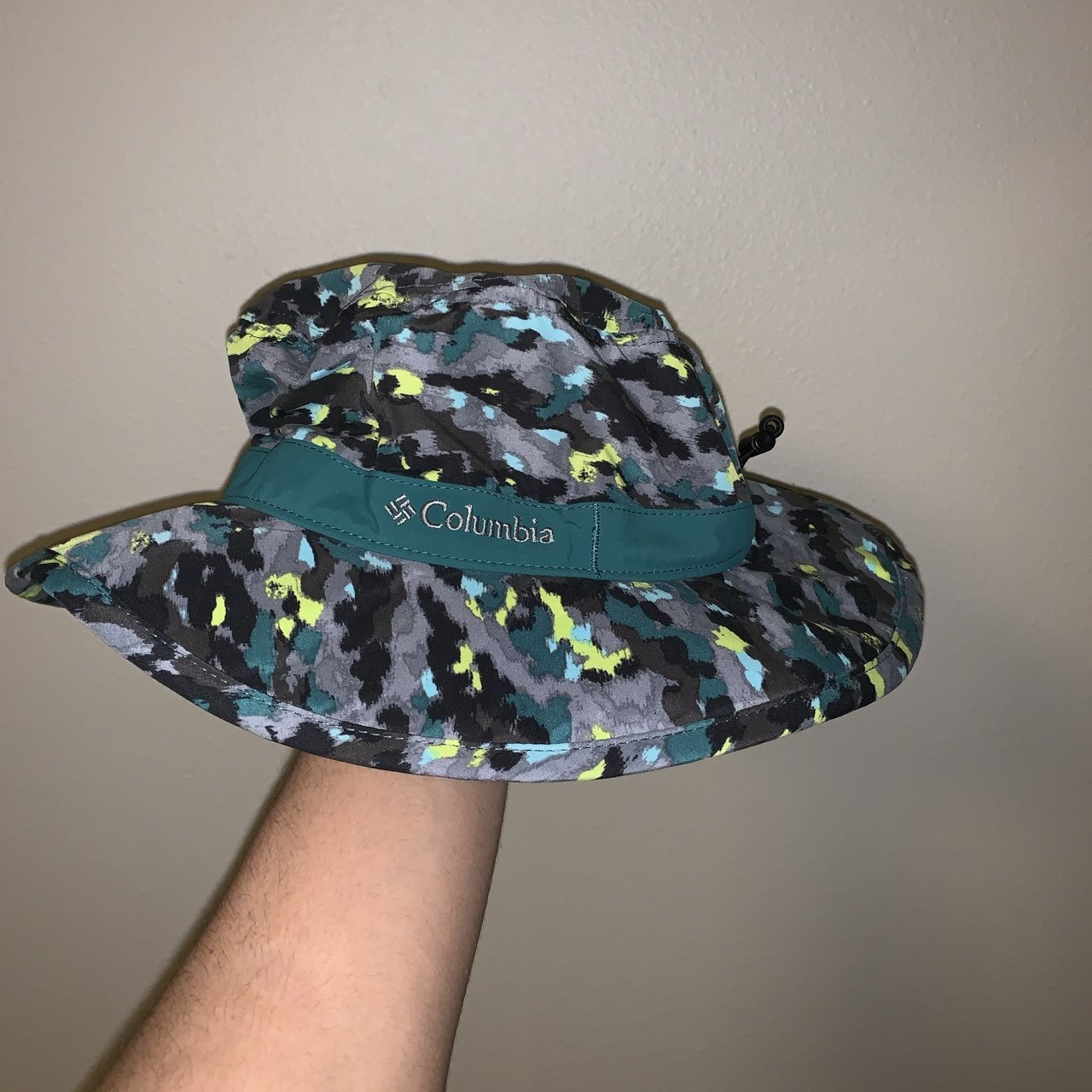 Columbia bucket hat size small - Depop 5ebad3a9c59