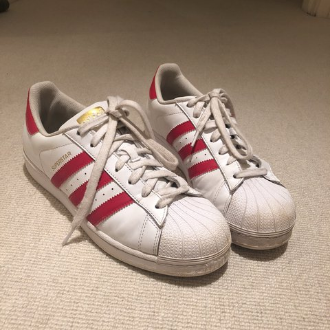 9d0e8209c1a1 Women s Adidas supper stars in red.Used. They are a ladies 8 - Depop