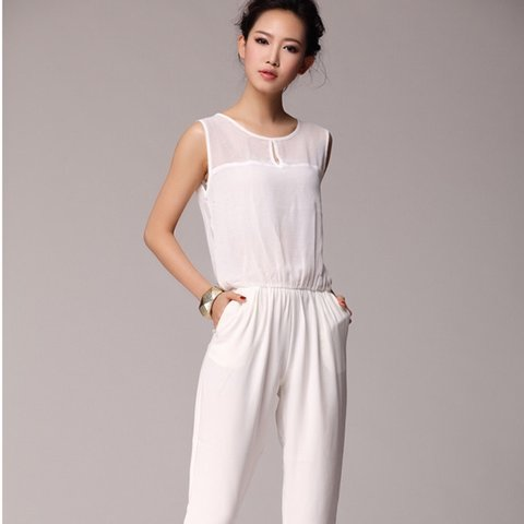 81274ff7970 BRAND NEW     All White Zara Jumpsuit. Jumpsuit was as - Depop