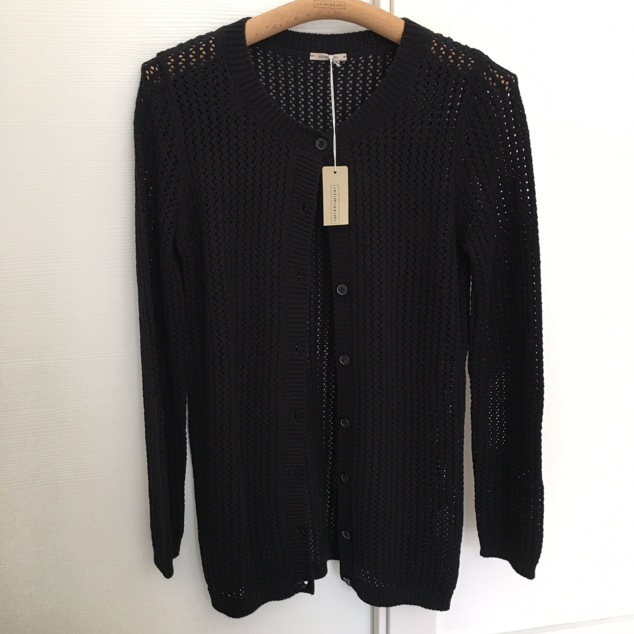 outlet store 50bec ad2ff Cardigan Intimissimi tg S nero, traforato 100%... - Depop