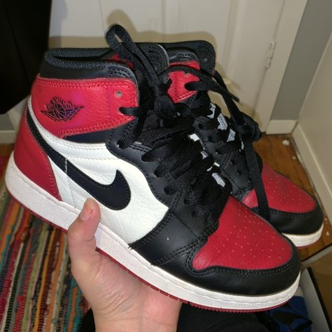 309bc5380e23 Bred toe Air Jordan 1 Size 6y   Women s 7.5 Bought on club - Depop