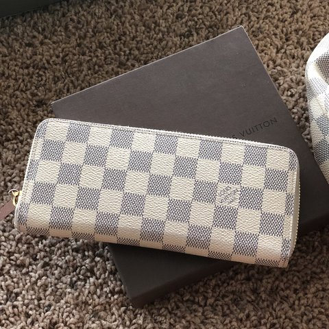 41a81e817 ... bowler purse travel m93706 paint branc white; sho last year west  hollywood united states louis vuitton authentic white damier wallet pink  inside ...