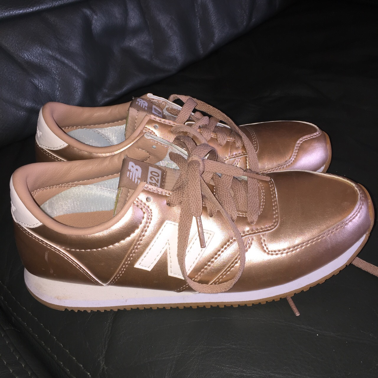 ROSE GOLD METALLIC LOOK NEW BALANCE 420. They are