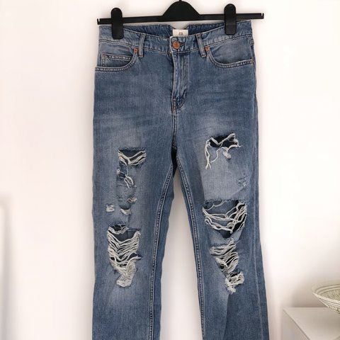 08a0262bb9 River Island ripped mom jeans. Mid wash. Bought for £42. UK - Depop