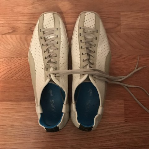 14be6382fd9 Puma 96 Hours white track shoes. Average wear