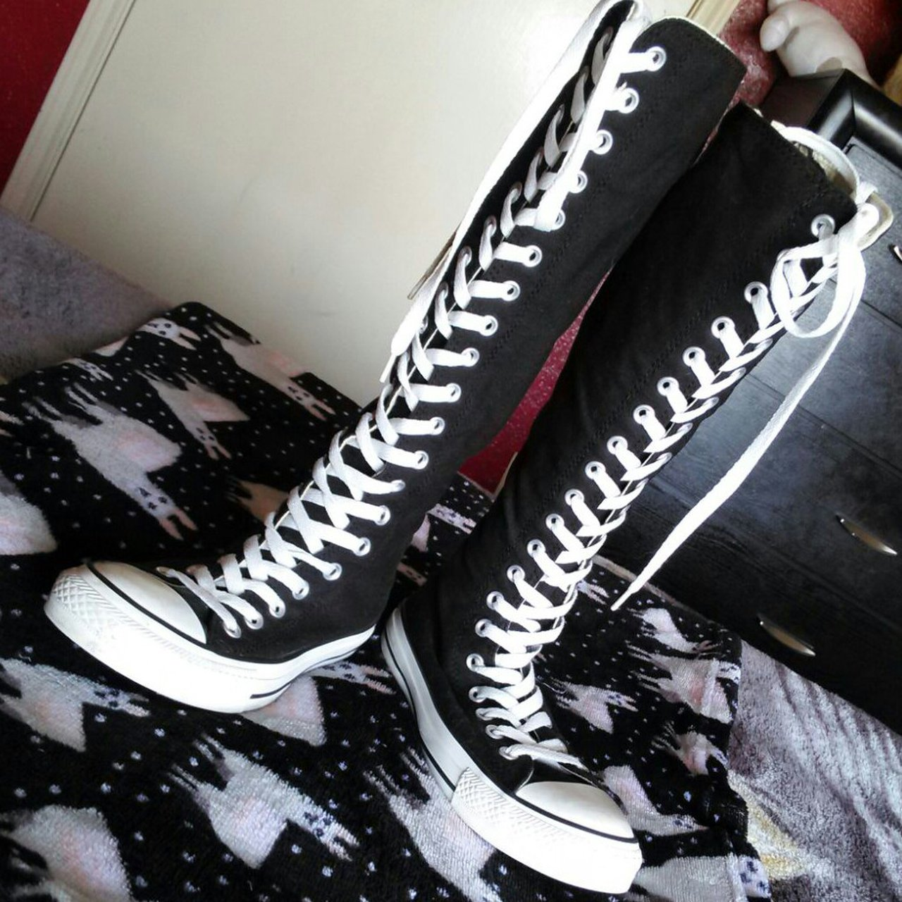 69c62ff98d2 All Black Converse Hi Top Shoes Size 4 UK. Only selling they - Depop