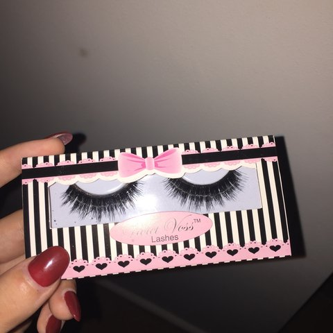 fc71d1a3412 Violet Voss striptease lashes. Only tested the right Very a - Depop