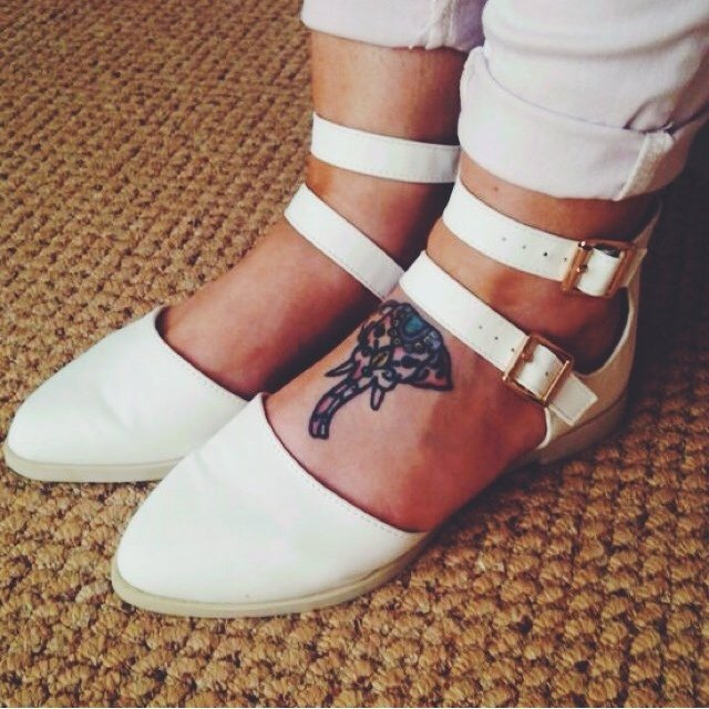 702dc0f7e664 White buckle chunky sandals 🌸 very summery and cute 👌 size - Depop