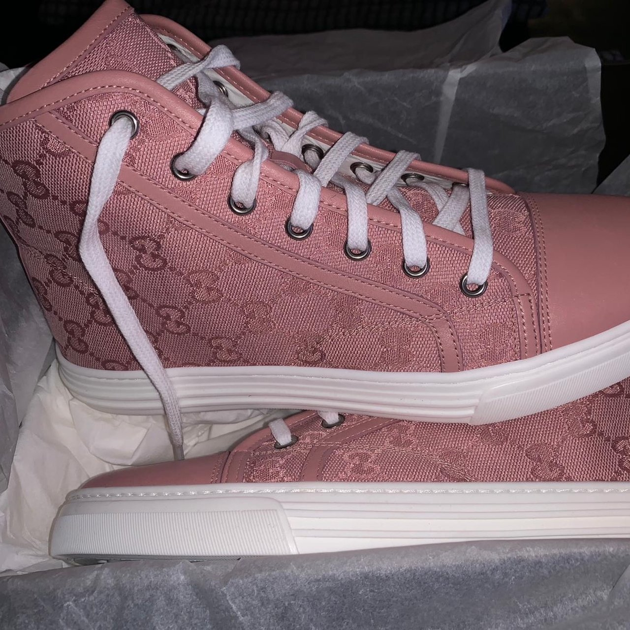 Brand new pink Gucci trainers. Comes
