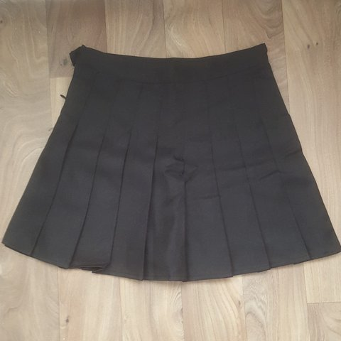 c514bebeda @alanabrando. 8 months ago. Haslemere, Haslemere, GB. Black pleated tennis  skirt. BRAND NEW With short underneath, super cute, but too small for me ...
