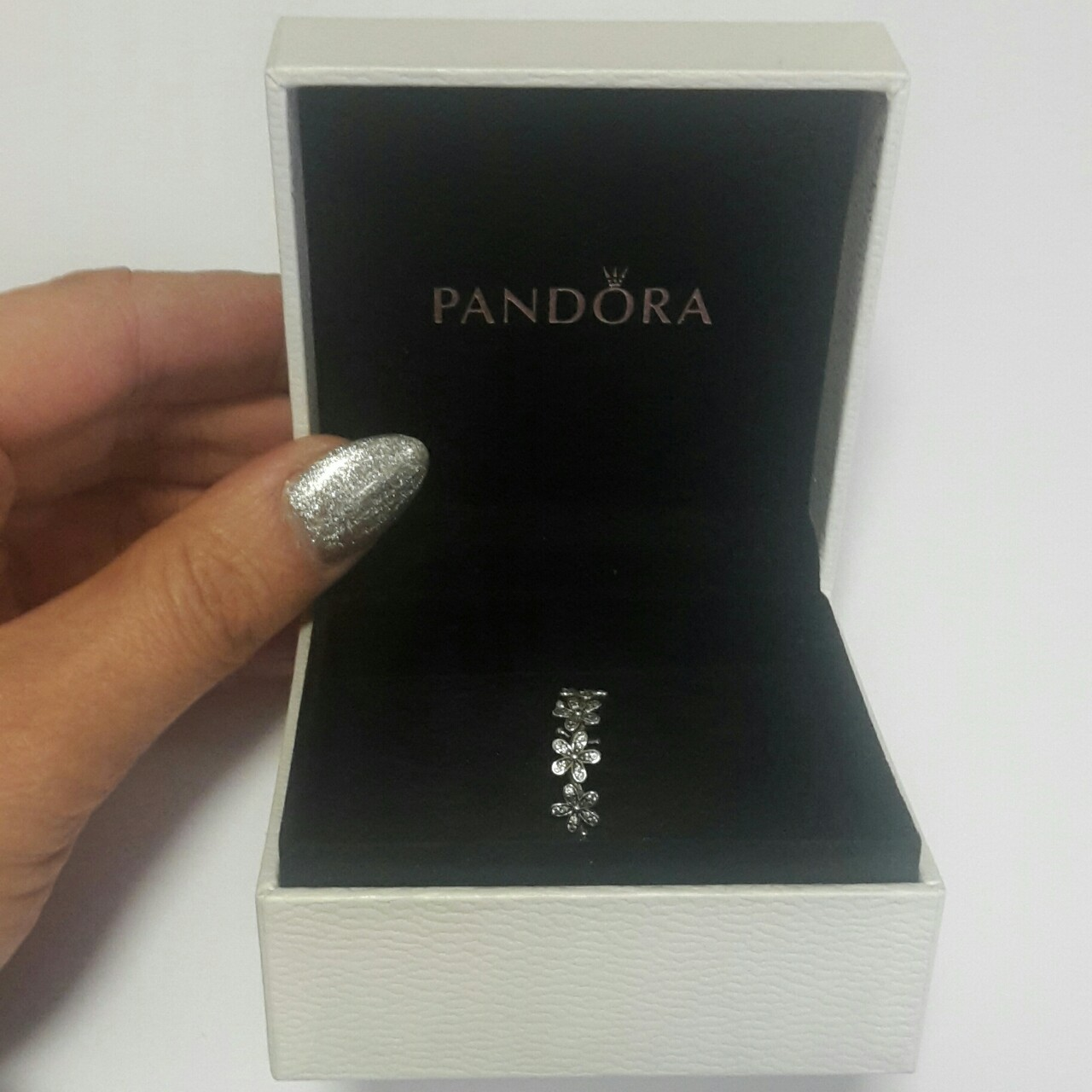 anello pandora margherite luminose