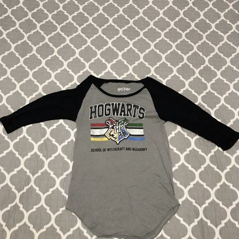 889bbfb4f @avalonslame. 6 days ago. New York, United States. Price drop🤠Harry Potter  Hogwarts T-shirt ...