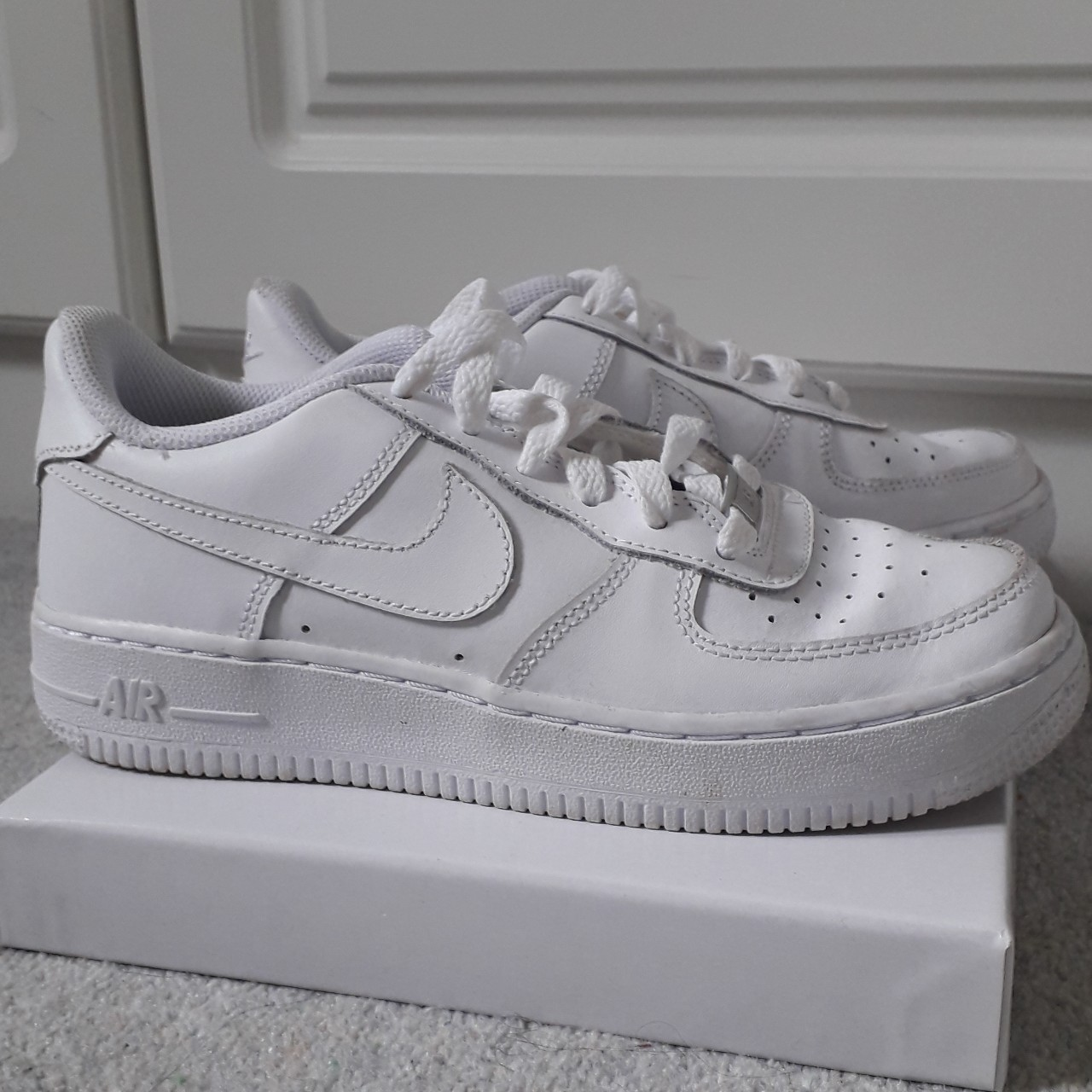 ✅ Nike Air Force 1. White Leather. UK