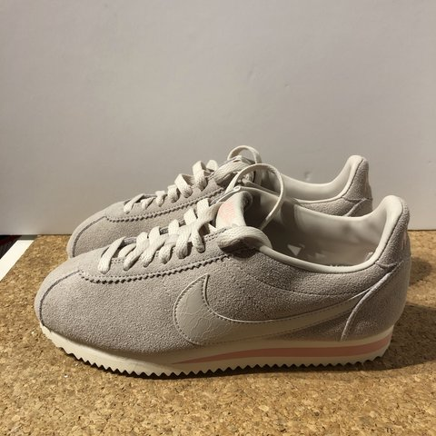 sale retailer cbc8e f656f  pawello1305. 2 months ago. Birmingham, United Kingdom. Nike Classic Cortez  Suede AA3839-003. New with box 📦 Without top lid