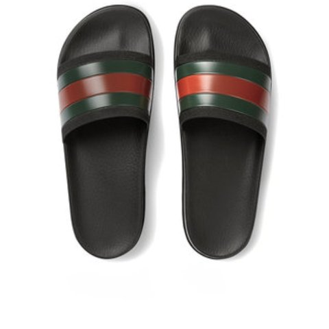 66a6c477def 9 10 condition Gucci red and green flip flops. Authentic - Depop