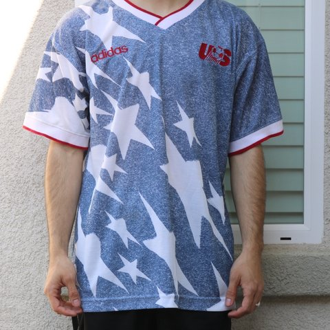 afd45c4d1 Vintage 1994 USA soccer jersey Size L World Cup All over - Depop