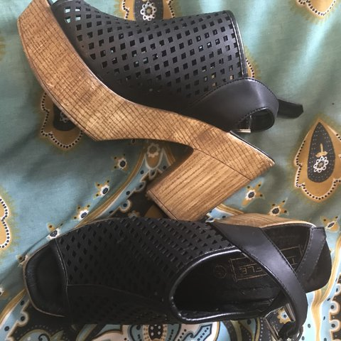 b15c614284 @ceraandlillxxx. last year. Bradford, United Kingdom. Adorable block heel  sandals with mesh top and wooden heels only worn once!! Size ...