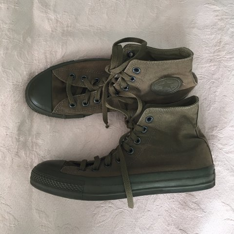 e29588dc845c Gently pre-owned army green Converse All Star Chuck Taylor - Depop