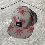 95ee7c7510094 Huf hat only worn a handful of times. Glows in the dark. $20 - Depop