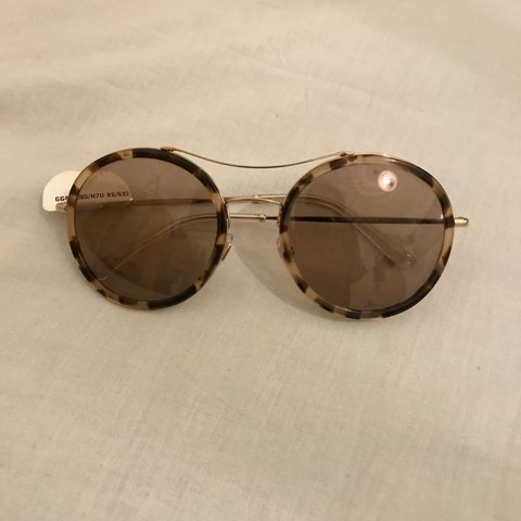 662c4c07e Real Gucci sunglasses for women with authenticity/model worn - Depop