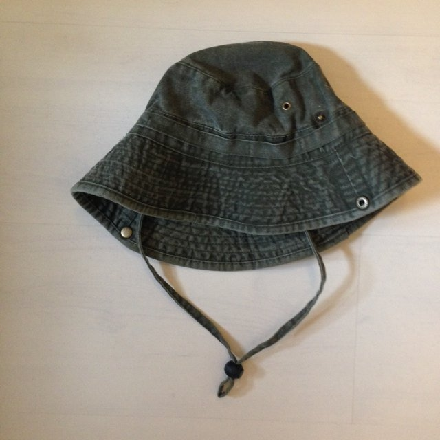 KHAKI GREEN BUCKET HAT - ONE SIZE with adjustable string NEW - Depop 8b26a4147bc