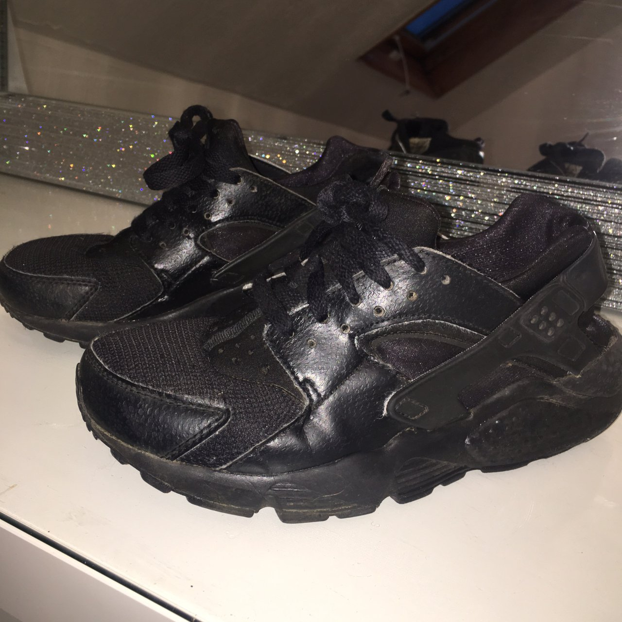 6dac5f16872 Nike Huaraches Junior. Worn but good condition. Selling uk - Depop