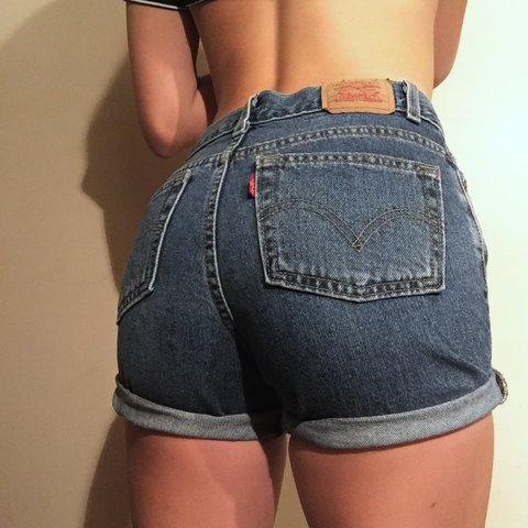 fa0c3fd9310 VTG HIGH WAIST LEVIS SHORTS😍😍 This piece is just like be - Depop