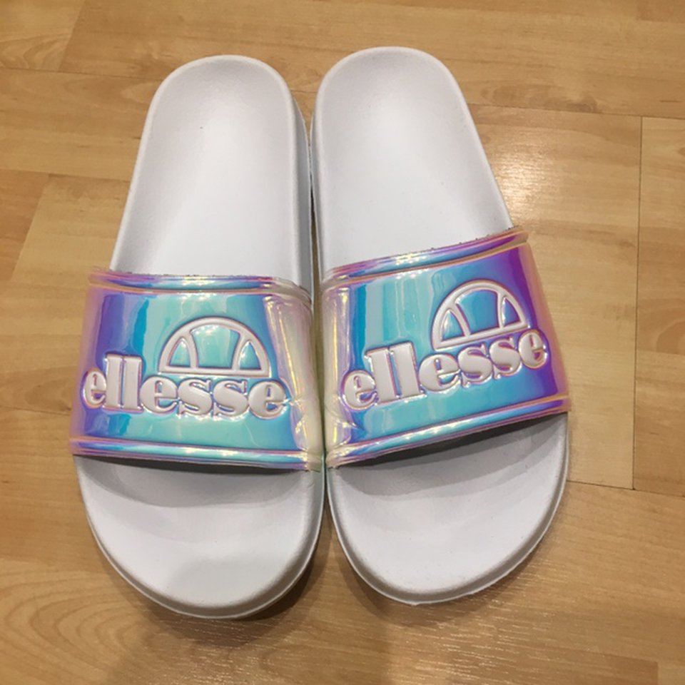 UK 6 - Ellesse holographic sliders with
