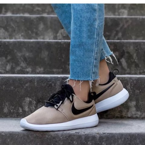 1c95a51dbc51 WOMENS NIKE ROSHE TWO BEIGE TRAINERS RRP somewhere between - Depop
